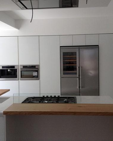 Cucina con frontali vetro