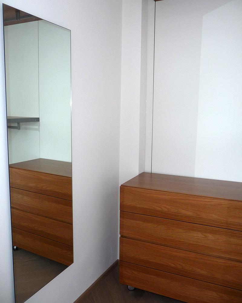 Cabina armadio con specchio